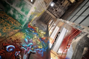 all-those-shapes_-_power-house_20141219_24_-_putos_dukey-grimo_-_colour-metal-riser