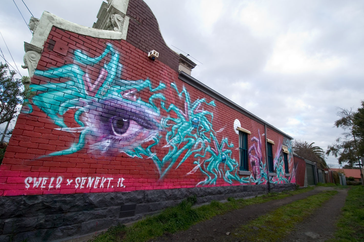 all-those-shapes_-_swel2_senekt_-_eye-storm-alley-watch_-_brunswick
