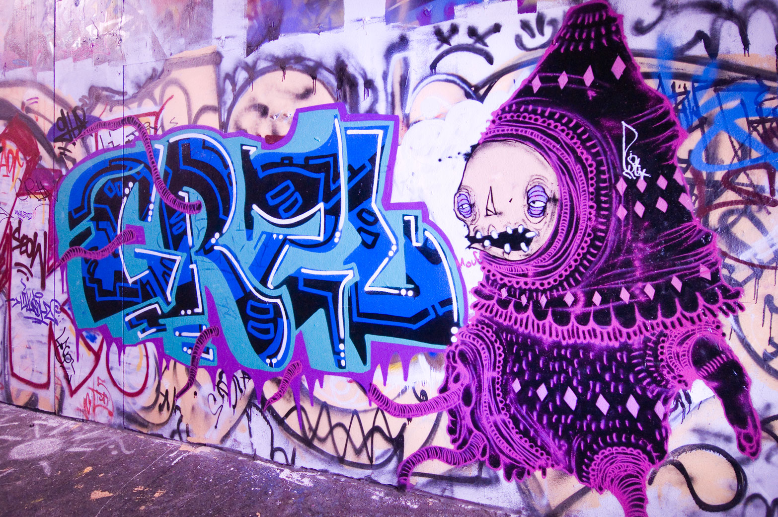 all-those-shapes_-_mouf_-_pink-purple-graff-tentacles_-_union