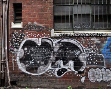 all-those-shapes_-_um_-_black-alley_-_brunswick-east